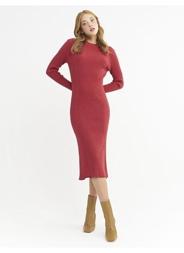 BGN Gül Rengi - Dik Yaka Triko Elbise Kırmızı